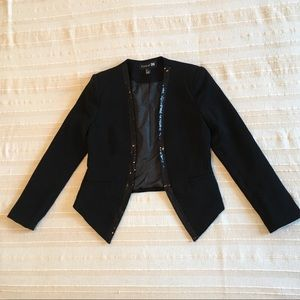 Cool sequined cropped tuxedo blazer
